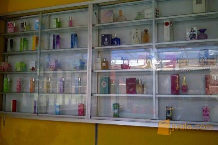 harga etalase bekas toko parfum Jualo.com