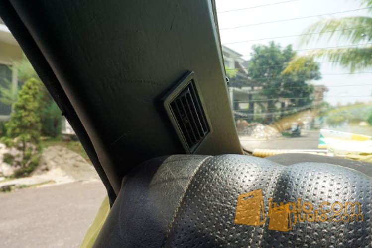 harga Mercy Tiger W123 1980 - Hijau Original Jualo.com