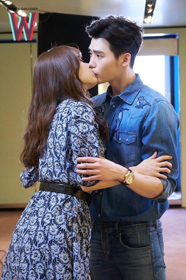 W KISS