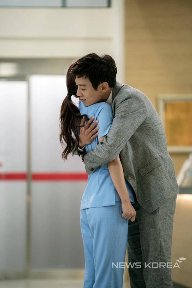 DOCTORS HUG