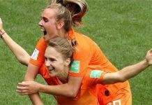ฮอลแลนด์ 3-1 แคเมอรูน