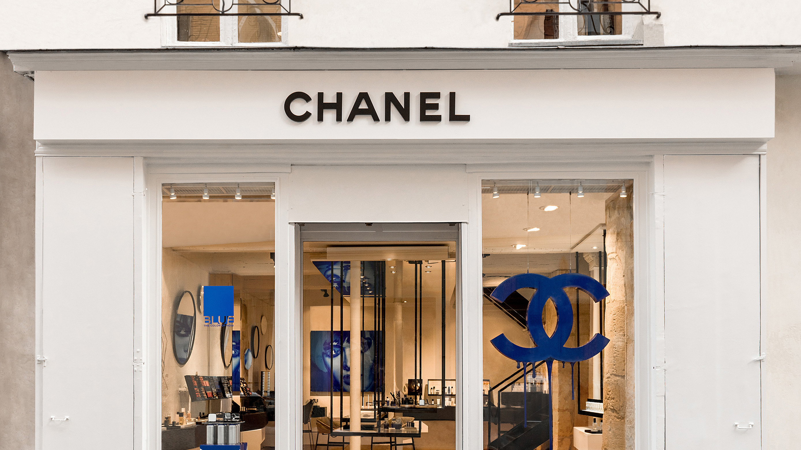 Chanel opens one of a kind beauty salon in paris l 39 officiel for Best hair salons in paris