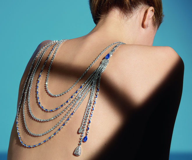 """Sapphire Stripes"" necklace in 18K white gold, sapphires and diamonds - Chanel ""Flying Cloud"" high jewelry collection. © CHANEL Haute Joaillerie"