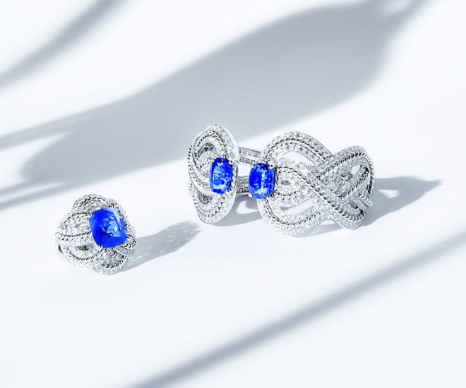 """Azurean Braid"" ring and bracelet in 18K white gold, sapphires and diamonds - Chanel ""Flying Cloud"" high jewelry collection. © CHANEL Haute Joaillerie"