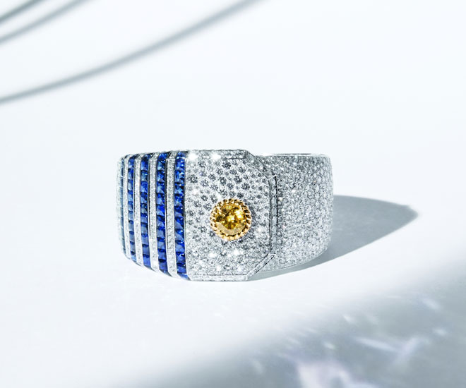 """Summer Cruise"" cuff in 18K yellow and white gold, with yellow diamond, sapphires and diamonds - Chanel ""Flying Cloud"" high jewelry collection. © CHANEL Haute Joaillerie"