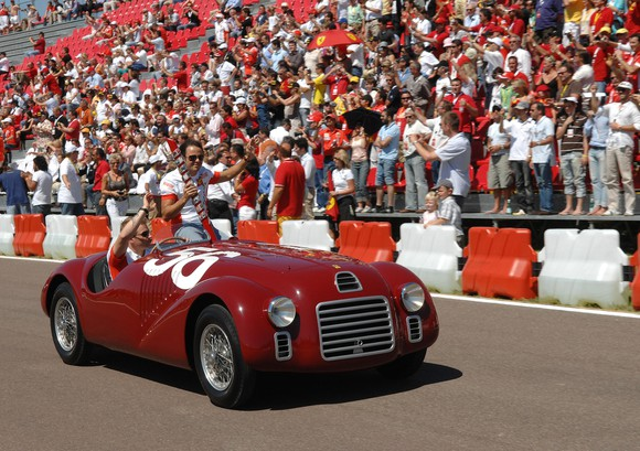 The 125 S was the very first official racing sports car built by Enzo Ferrari and his team in 1947. It made its début on May 11 at the Piacenza racing circuit. With its bold red exterior and elegant silhouette, this model has become a true icon.