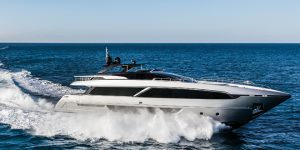 Riva 100 Corsaro by Ferretti Group: World premiere in Hong Kong