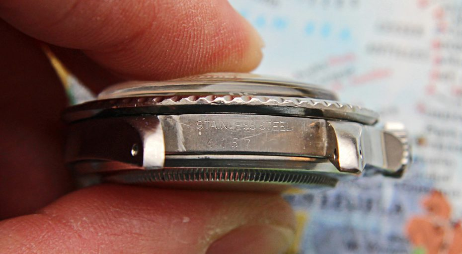 This is not the same Ref. 5512 but representative vintage Rolex image showing in-between lug details