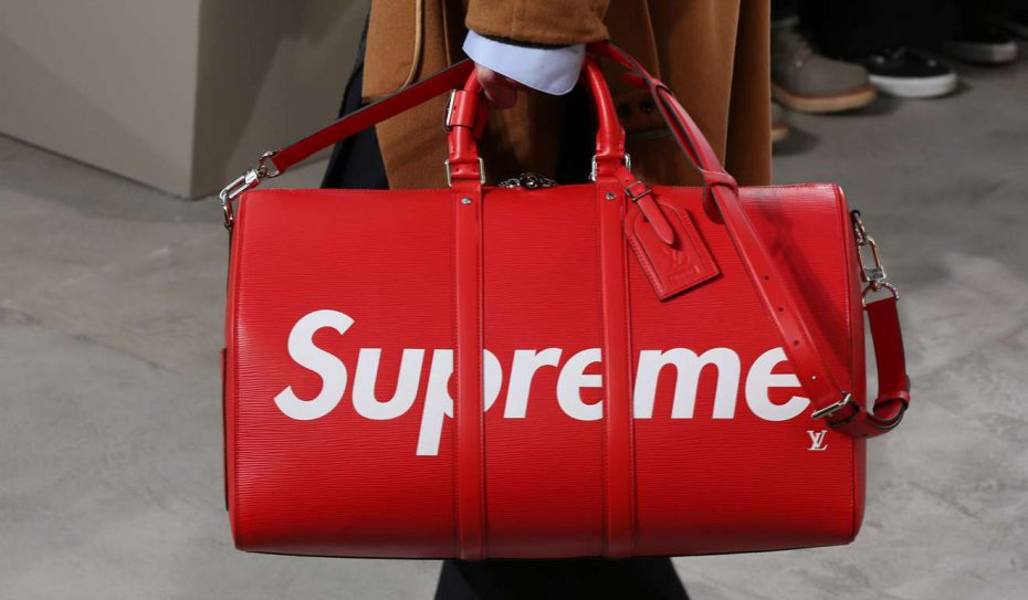 Gone is the brown Louis Vuitton signature colourway and in comes the distinct red Supreme colour scheme.
