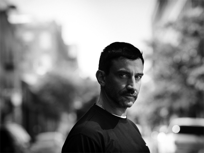 Former Givenchy creative head Riccardo Tisci will assume the role of Chief Creative Officer of Burberry