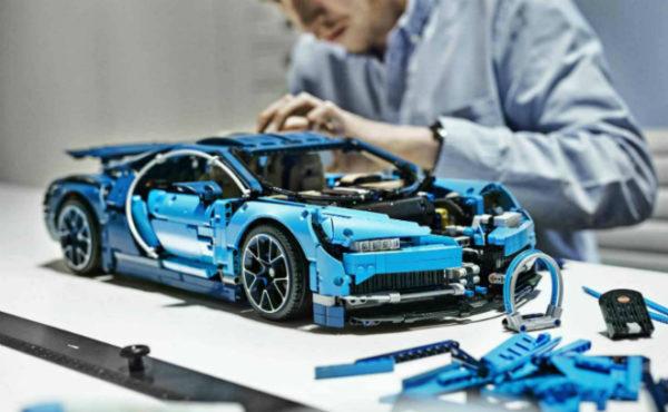 lego technic 2018 bugatti chiron. Black Bedroom Furniture Sets. Home Design Ideas