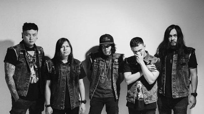 Dead Squad (deadsquad.official/instagram).