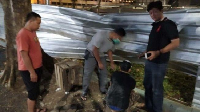 Satuan Reserse Narkotika Polrestabes Semarang, Senin (27/4/2020), meringkus seorang narapidana asimilasi yang menjadi pengedar narkotika di Kota Semarang. (Antara-Satres Narkoba Polrestabes Semarang)