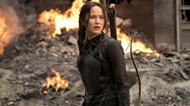 Jennifer Lawrence dalam film The Hunger Games