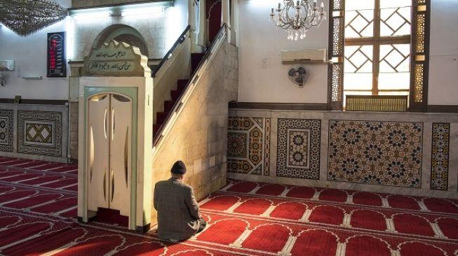Lowongan Imam Masjid di Uni Emirat Arab untuk WNI, Simak 12 Syaratnya - 1