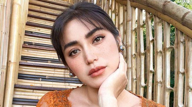 Susah Kedip! 5 Foto Jessica Iskandar Dipuji Pakai Baju Bali: Anggun daripada Buka-bukaan - 1