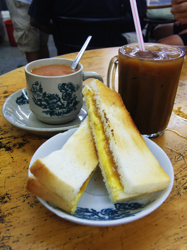 best-breakfast-in-bangsar-chun-heong_kaya-and-butter-toast_teh-tarik_kopi-peng