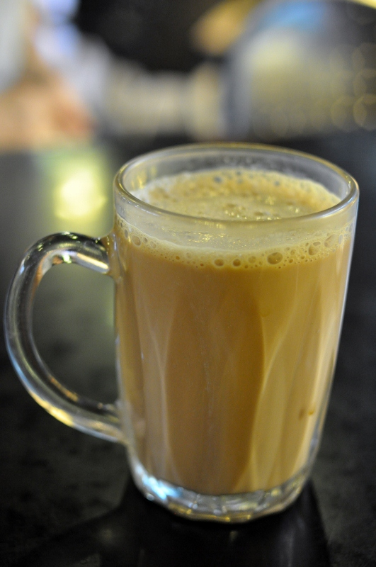 best-24hr-mamaks_banana-leaf_teh-tarik