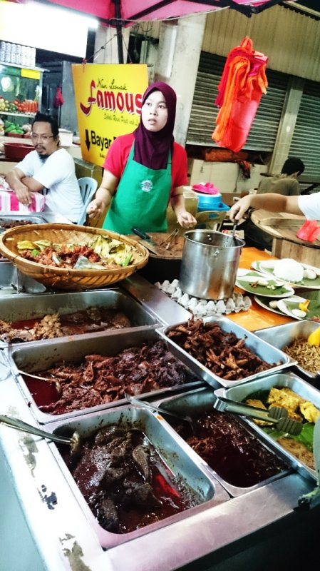 best-the-ultimate-nasi-lemak-shortlist_nasi-lemak-famous_stall