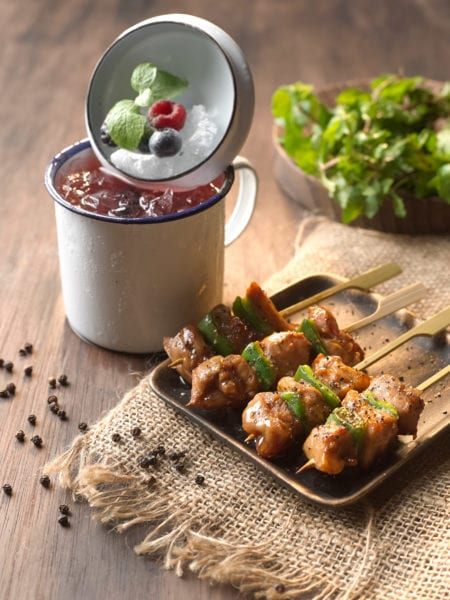 Bar_Canary_Grilled_Chicken_in_Black