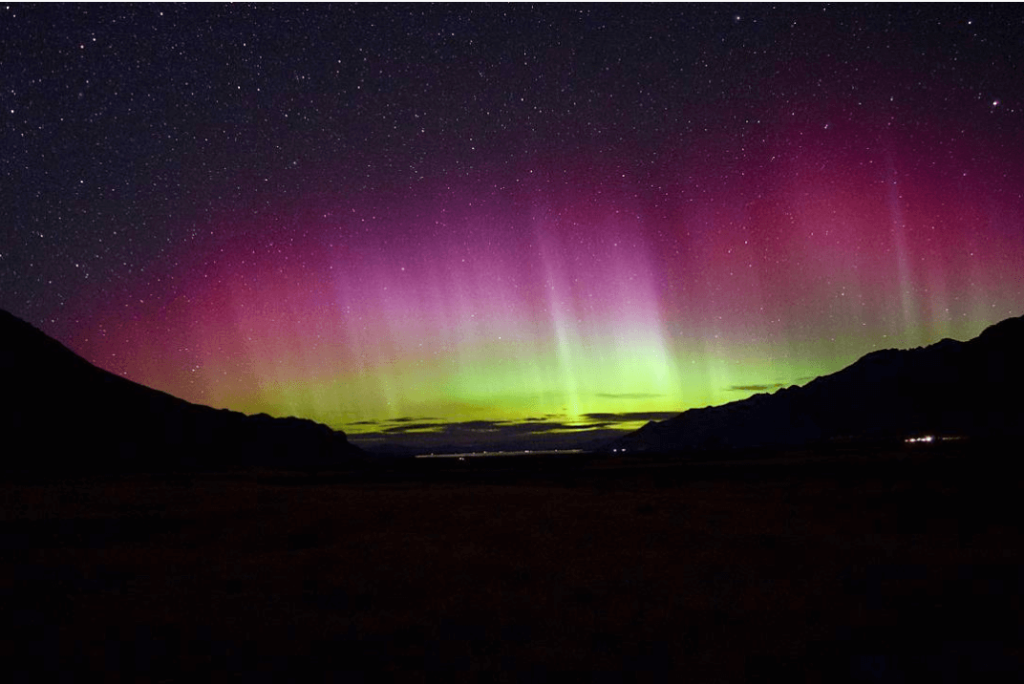 Aurora Australis: A Cosmic Treat Down South