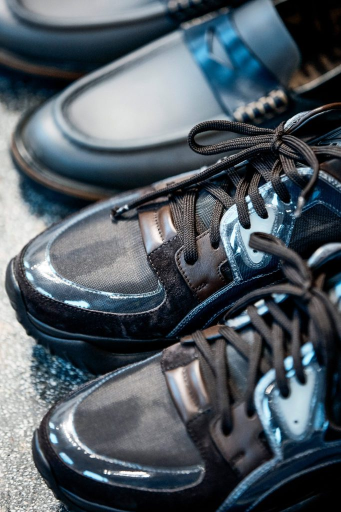 Big Feet Small Shoes