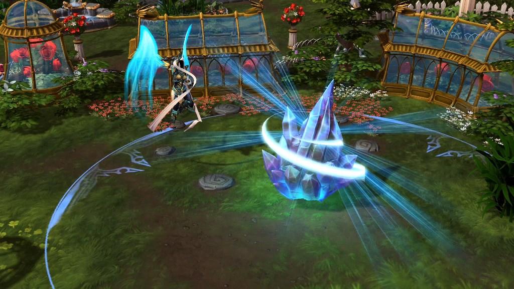 「水晶聖禦」讓友方英雄進入靜滯狀態,持續2秒。結束時,會對附近所有敵人造成270點傷害