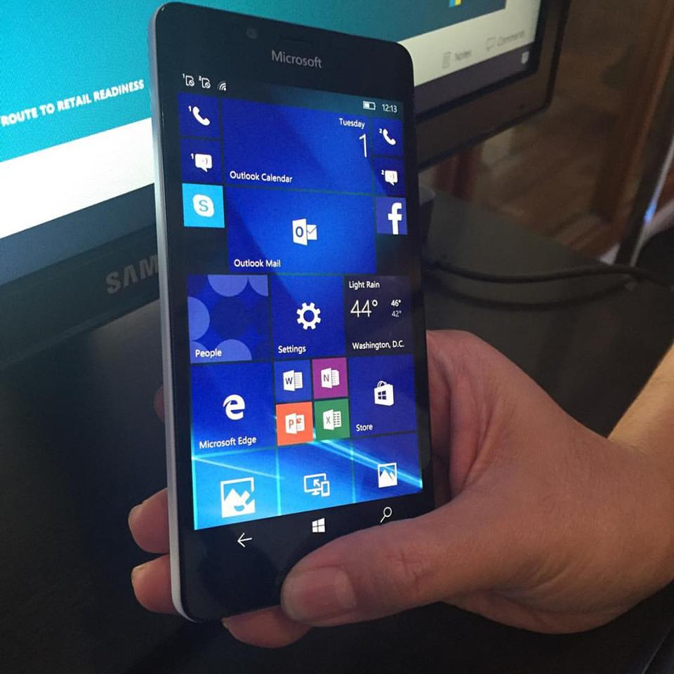 Windows 10 smartphones microsoft lumia 950 950xl now available in