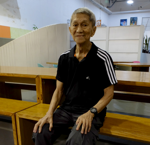 Pete Pineda, 83, wears his On-The-Go shorts in black. Pineda says he feels more confident since he no longer has to wear a exposed urine bag attached to his leg. Photo by Lestie Cobilla, InterAksyon.com.