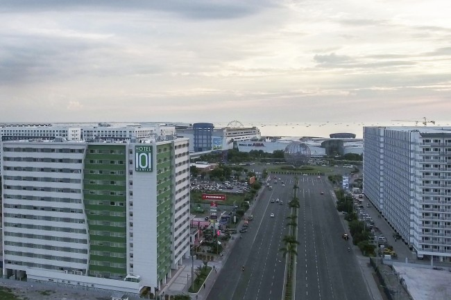 Aerial view of Hotel 101. Guests of the hotel will appreciate its rooms—from the second floor and up—offering a view of the world-famous Manila Bay sunset. Photo courtesy of Hotel 101.