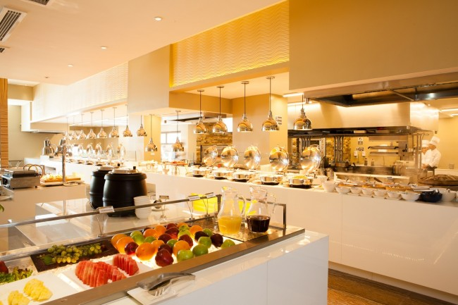 Salt, one of the dining outlets at Widus, carries the open-kitchen concept that's considered trendy nowadays. Photo courtesy of Widus Hotel and Casino.