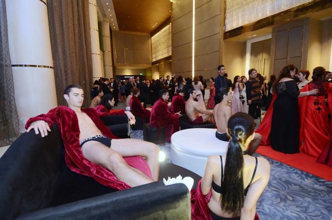 Bench models lounge at the lobby of The Shangrila at The Fort at the Red Charity Gala to promote the retail brand's newest fragrance. Bench was one of the sponsors of this year's benefit fashion show and dinner was held October 8, 2016. Photo by Peter C. Marquez, InterAksyon.