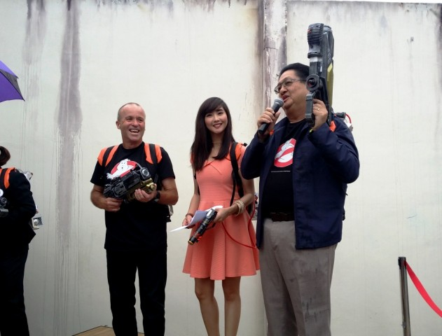 From left, Lynton Harris, Sudden Impact! Entertainment's chairman and CEO; Alodia Gosiengfiao, event host; and Enchanted Kingdom's president and chairman Mario Mamon during the launch of Ghostbusters Adventure Live! at Enchanted Kingdom. Photo by Romsanne Ortiguero, InterAksyon.