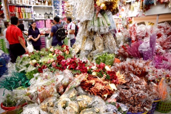 Christmas decors can be bought at a wholesale price at the Prime Block. Photo by Bernard Testa, InterAksyon.