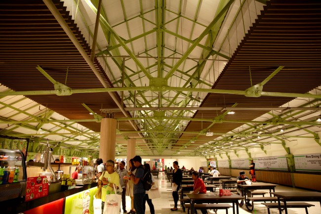 Tutuban Center's renovated food court where shoppers can also see the original wrought iron pillars of the original train station back in the 1892. Photo by Bernard Testa, InterAksyon.