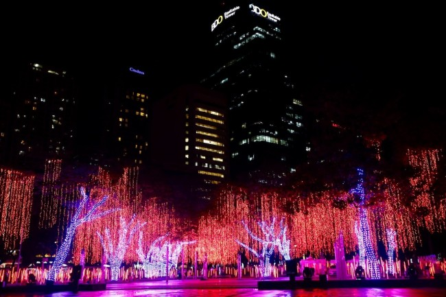 At the Ayala Triangle Garden, its much awaited yearly lights and sounds Christmas show kicked off last November 15, 2016 and will run till January 8, 2017. Photo by Bernard Testa, InterAksyon.
