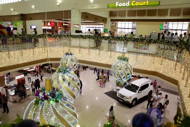 Lobby of the new Expanded Mall of Robinsons Place Tacloban in Tacloban City. The newest structure of the property opens December 8, 2016. Photo by Bernard Testa, InterAksyon.