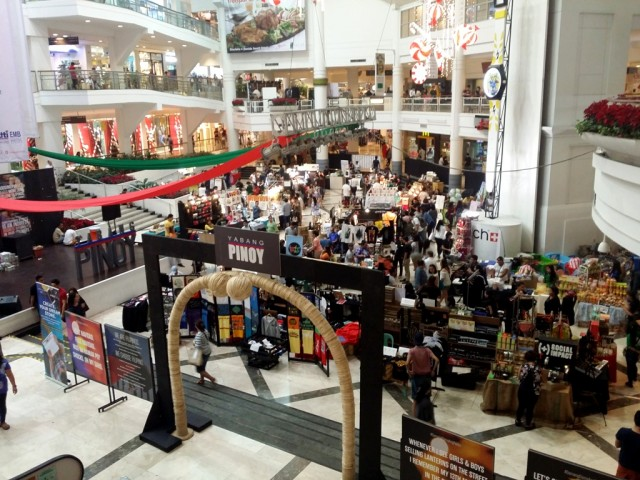 Global Pinoy Bazaar is back this Christmas for its 18th edition at Glorietta Activity Center in Makati City. The shopping event happens on December 8 to 11, 2016. Photo by Romsanne Ortiguero, InterAksyon.