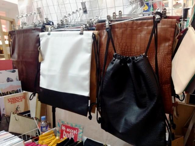 Chic drawstring bags by Bague Enterprise. Photo by Romsanne Ortiguero, InterAksyon.