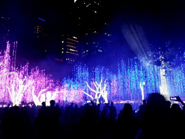 Don't miss out on the last week of Ayala's Festival of Lights event, which has become Makati City's Holiday tradition. Photo by Romsanne Ortiguero, InterAksyon.