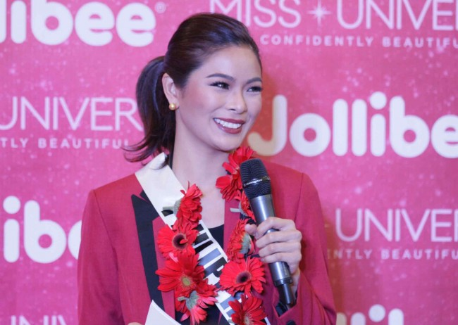 Miss Philippines Maxine Medina shared her memorable experiences with Jollibee, and urged her fellow candidates to inspire the young girls of Concordia.  Photo by Bernard Testa, InterAksyon.