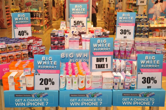 Beauty retailer Watsons' Big White Blowout offers discounts on a wide range of whitening products. Photo by D.C. Vasquez, InterAksyon.