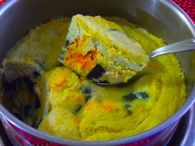 Steamed Three-colored Eggs. Photo by Dolly Dy-Zulueta, InterAksyon.
