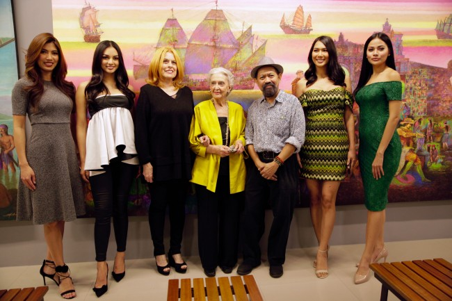 From left, Miss Grand international first runner up Nicole Cordoves, Miss International Kylie Verzosa, BPCI chairperson Stella Marquez Araneta, Artist Betsy Westendorp, Artist Jonah Salvosa,  Bb. Pilipinas-Intercontinental Jennifer Hammond, and Miss Globe third runner up Nichole Manalo during the launch of Sining Lakbay: Philippine History in Augmented Reality in Gateway Gallery. Photo by Bernard Testa, InterAksyon.