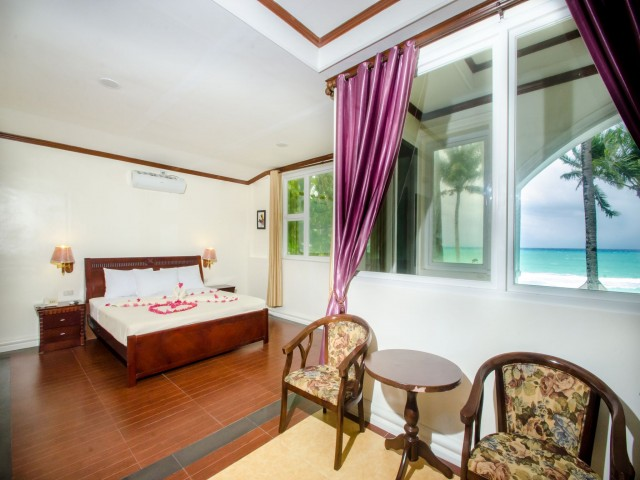 Spacious rooms and a beachfront location make Royal Park Resort the ideal place to stay in when in world-famous Boracay Island. Photo courtesy of the hotel.