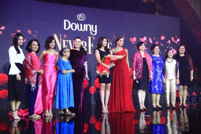 The four women also acknowledges the important women in their lives during the event. Gonzales-Intal honored her friend Mikaela Martinez and her mother Ofel Malasmas; Concepcion honored their household help, Nanay Lina; Wurtzbach honored her sister, Sarah Wurtzbach, and Versoza honored her mentors and colleagues, Dr. Rhodora Bucoy, Aurora De Dios, and Honey Castro. Photo by Bernard Testa, InterAksyon.