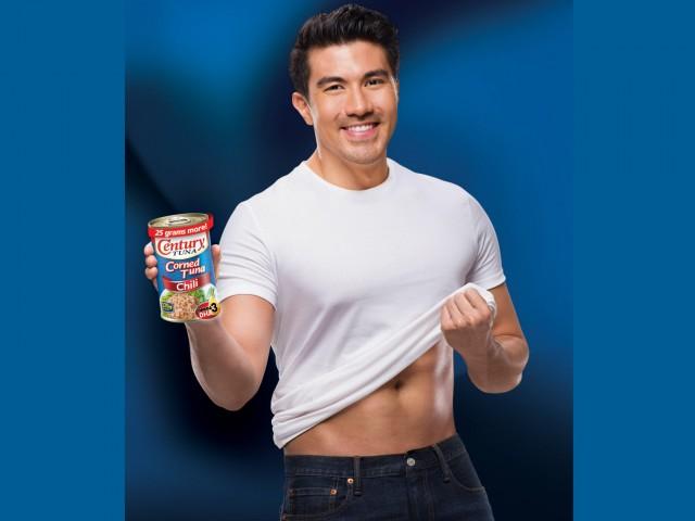 Actor and TV host Luis Manzano is Century Tuna's newest brand ambassador for its Chili Corned Tuna product. Photo courtesy of Century Tuna.