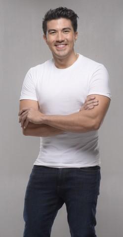 TV host and actor Luis Manzano is Century Tuna's newest brand ambassador for its improved chili corned tuna variant. Photo courtesy of Century Tuna.