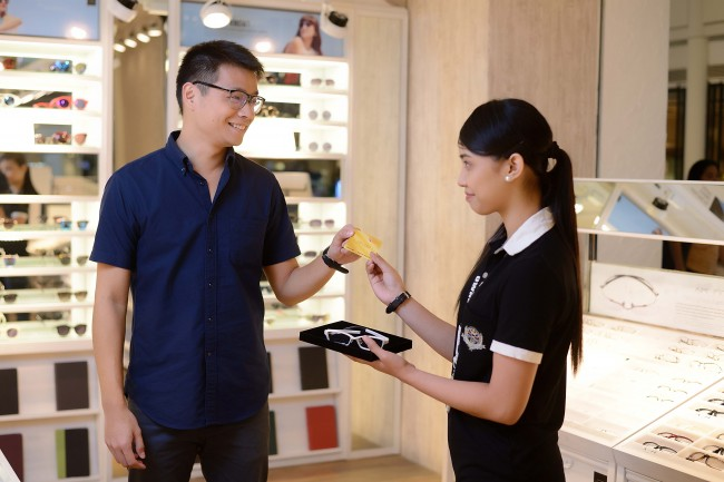 Robinsons Mall VIP cardholders get special discounts on premium brands, including eyewear products. Photo courtesy of RLC.