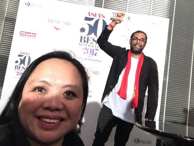 Look, Chow Buzz takes a photo with three-time Asia's No. 1 Best Restaurant awardee Chef Gaggan Anand during the gala event held in Bangkok, Thailand, February 21, 2017. Chow Buzz photo.